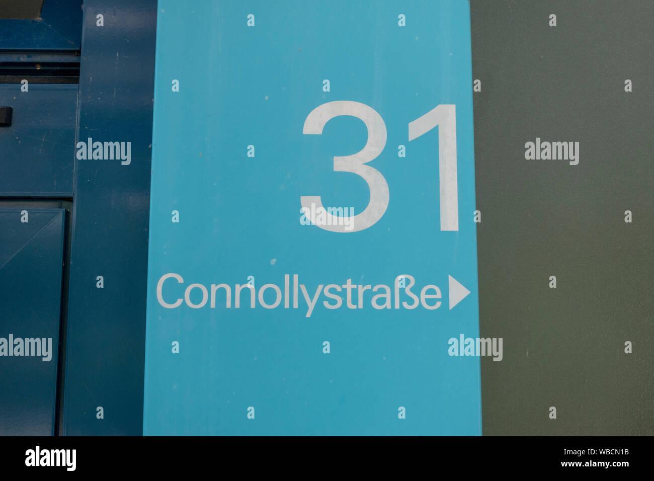Connollystraße 31 placa de dirección, el sitio de la masacre de Múnich durante los Juegos Olímpicos de Verano de 1972 en Munich, Alemania. Foto de stock