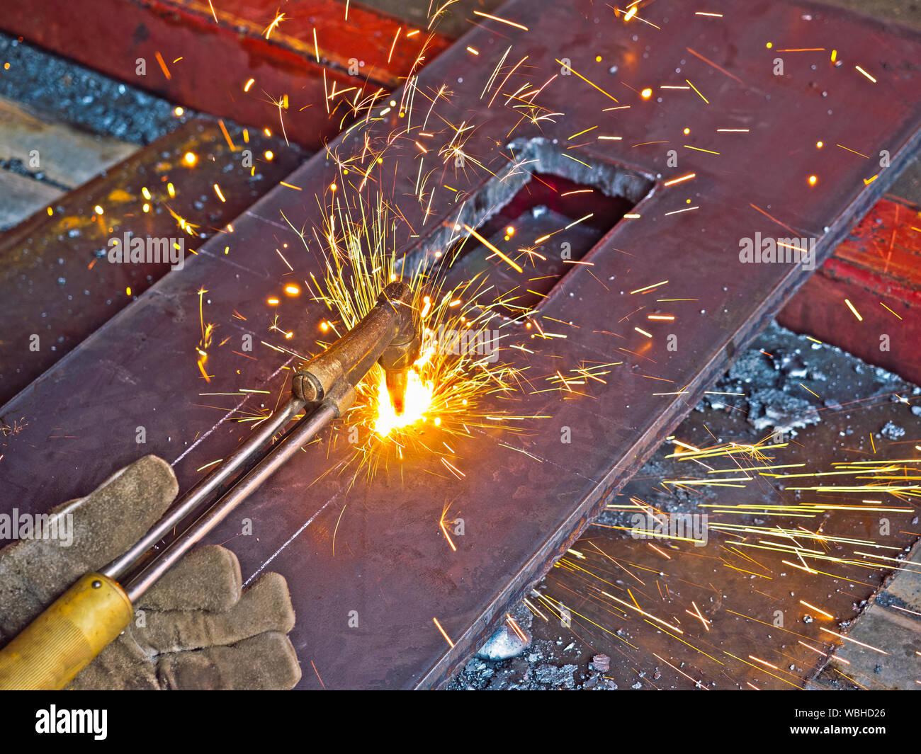 Trabajo En Estructura Metalica Imágenes De Stock Trabajo