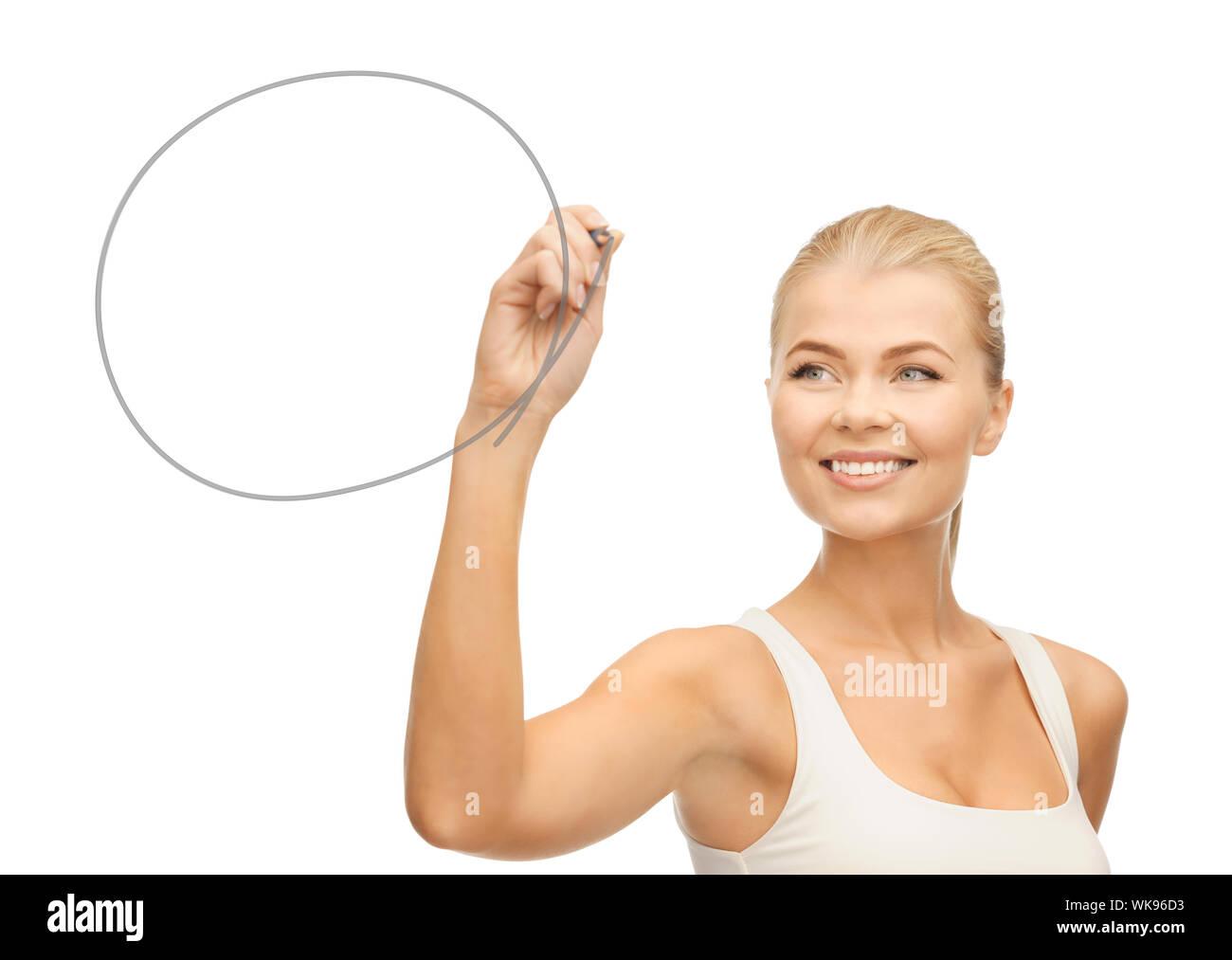 Mujer sacando la forma redonda Foto de stock