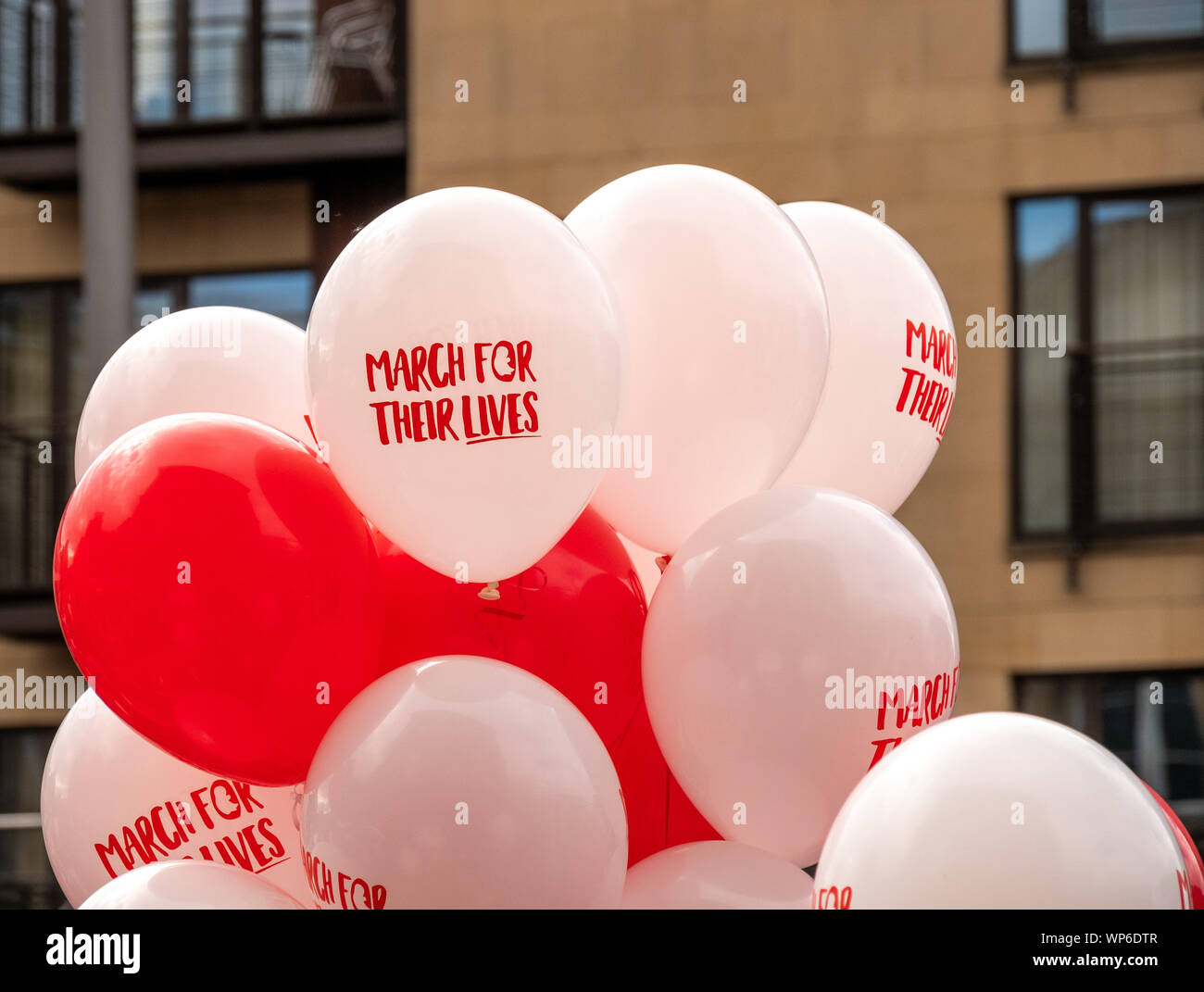 Belfast, Irlanda del Norte, Reino Unido - 7 de septiembre de 2019: Marcha para sus vidas anti aborto Rally, Custom House Square, Belfast Foto de stock