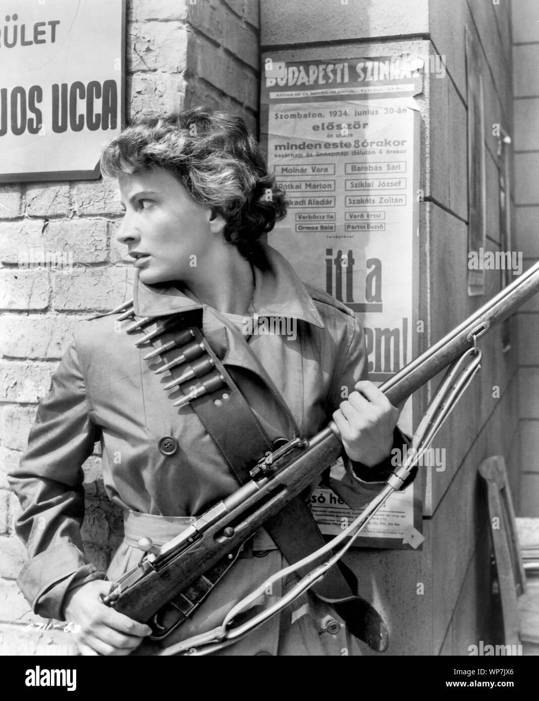 """Greta Thyssen, en el plató de la película, """"La bestia de Budapest"""", Allied Artists, 1958 Foto de stock"""