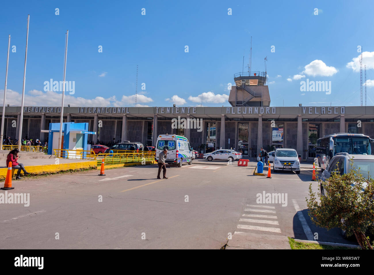 Exterior Fuera De Teniente Alejandro Velasco Astete El Aeropuerto Internacional El Aeropuerto De Cusco Cusco Peru Fotografia De Stock Alamy