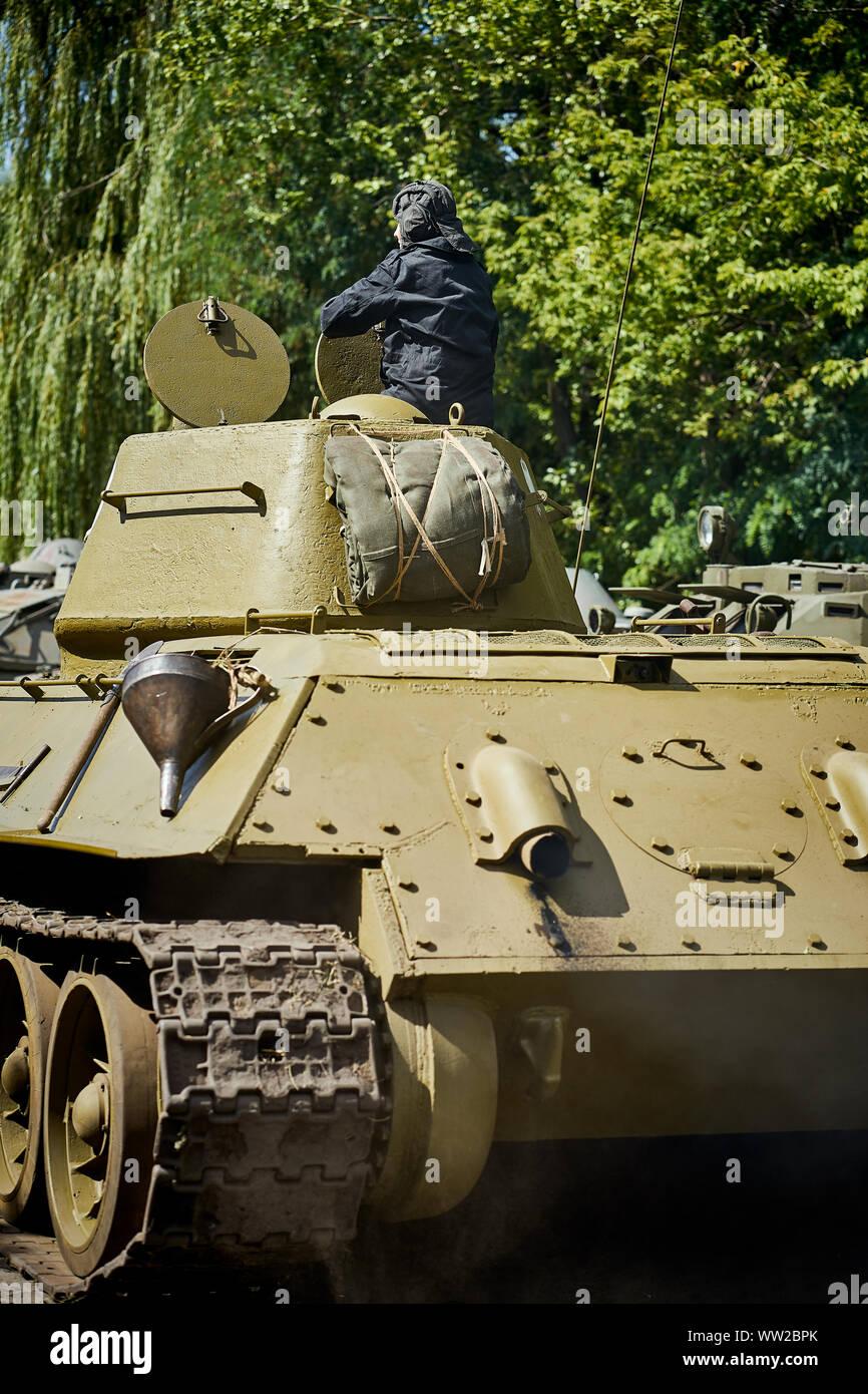 Viejo Tanque Ruso Verde Desde La Segunda Guerra Mundial Fotografía De Stock Alamy