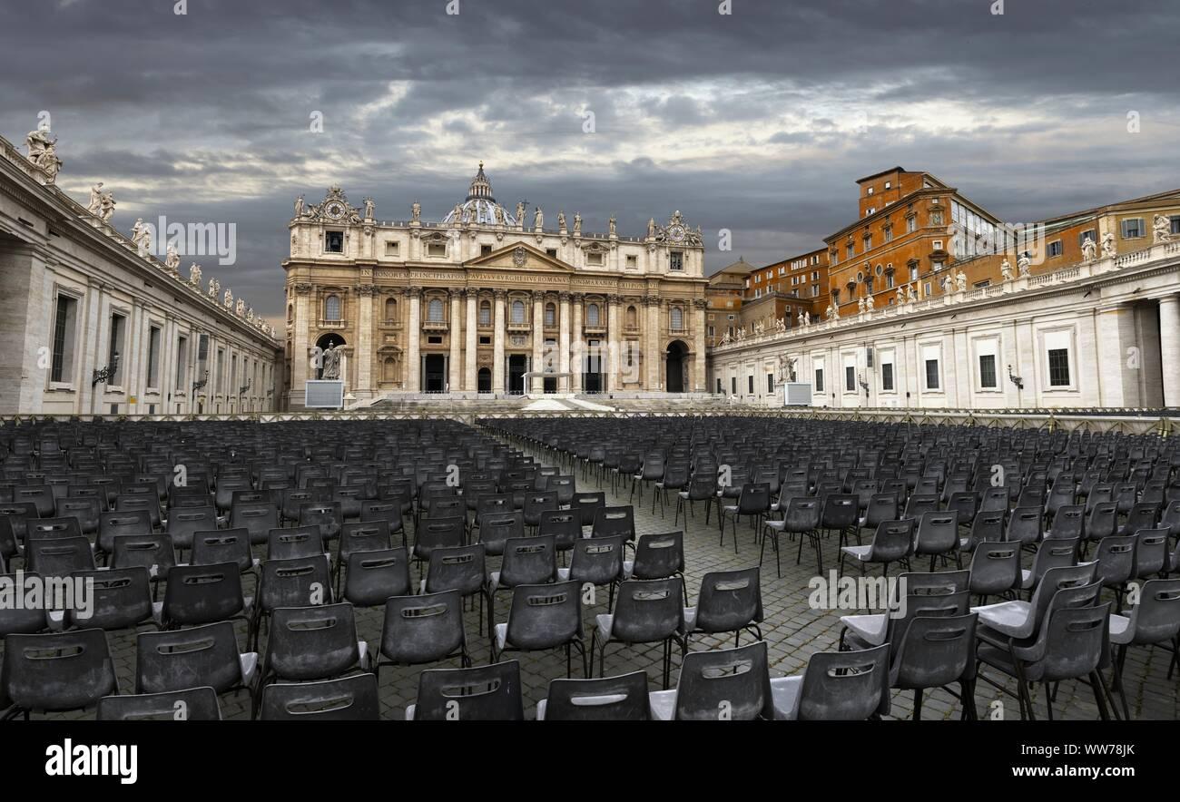 La Basílica de San Pedro en el Vaticano Foto de stock
