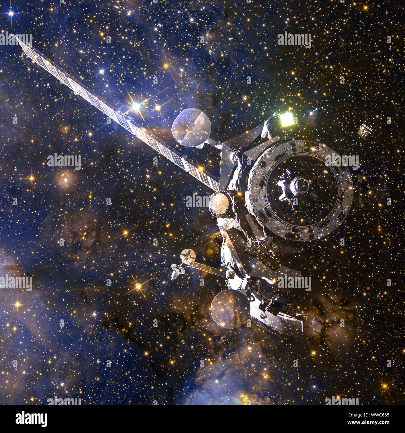 Las naves espaciales. Arte cósmico, papel tapiz de ciencia ficción. Los elementos de esta imagen proporcionada por la NASA Foto de stock