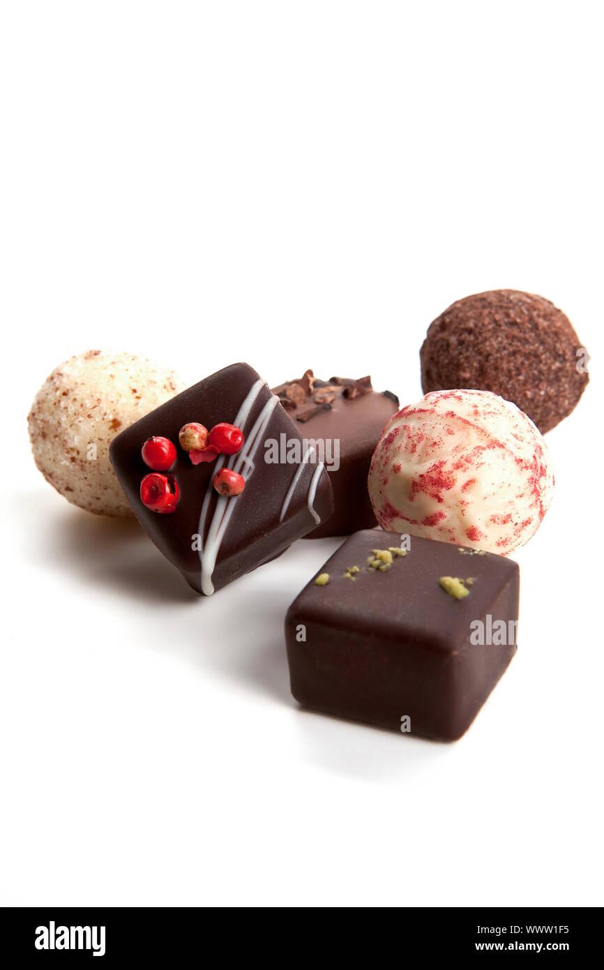 Colección de diferentes chocolate praliné aislado Foto de stock