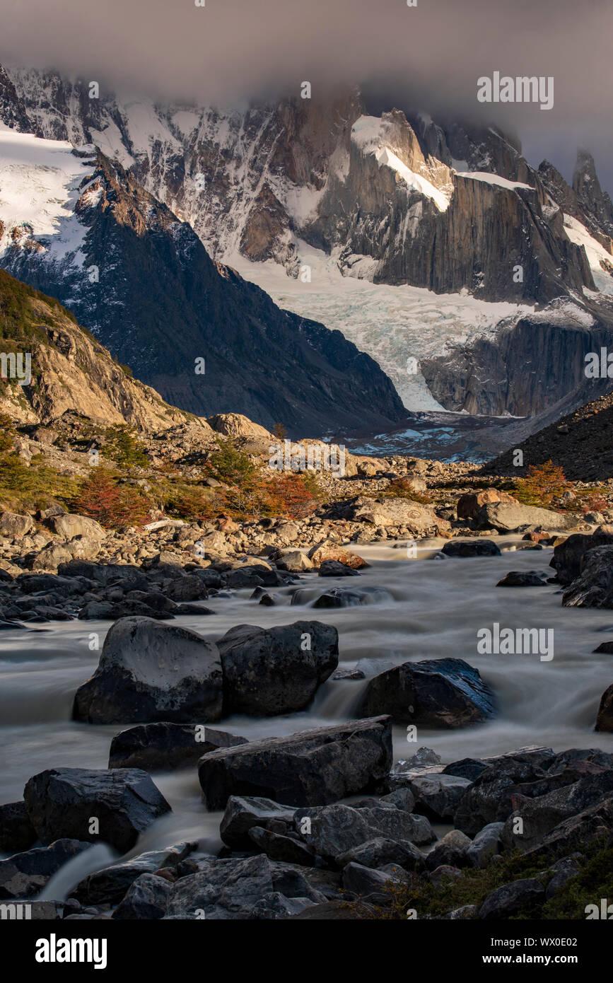 Rio el río de Fitz Roy, El Chalten, Provincia de Santa Cruz, Patagonia Argentina, Sudamérica Foto de stock