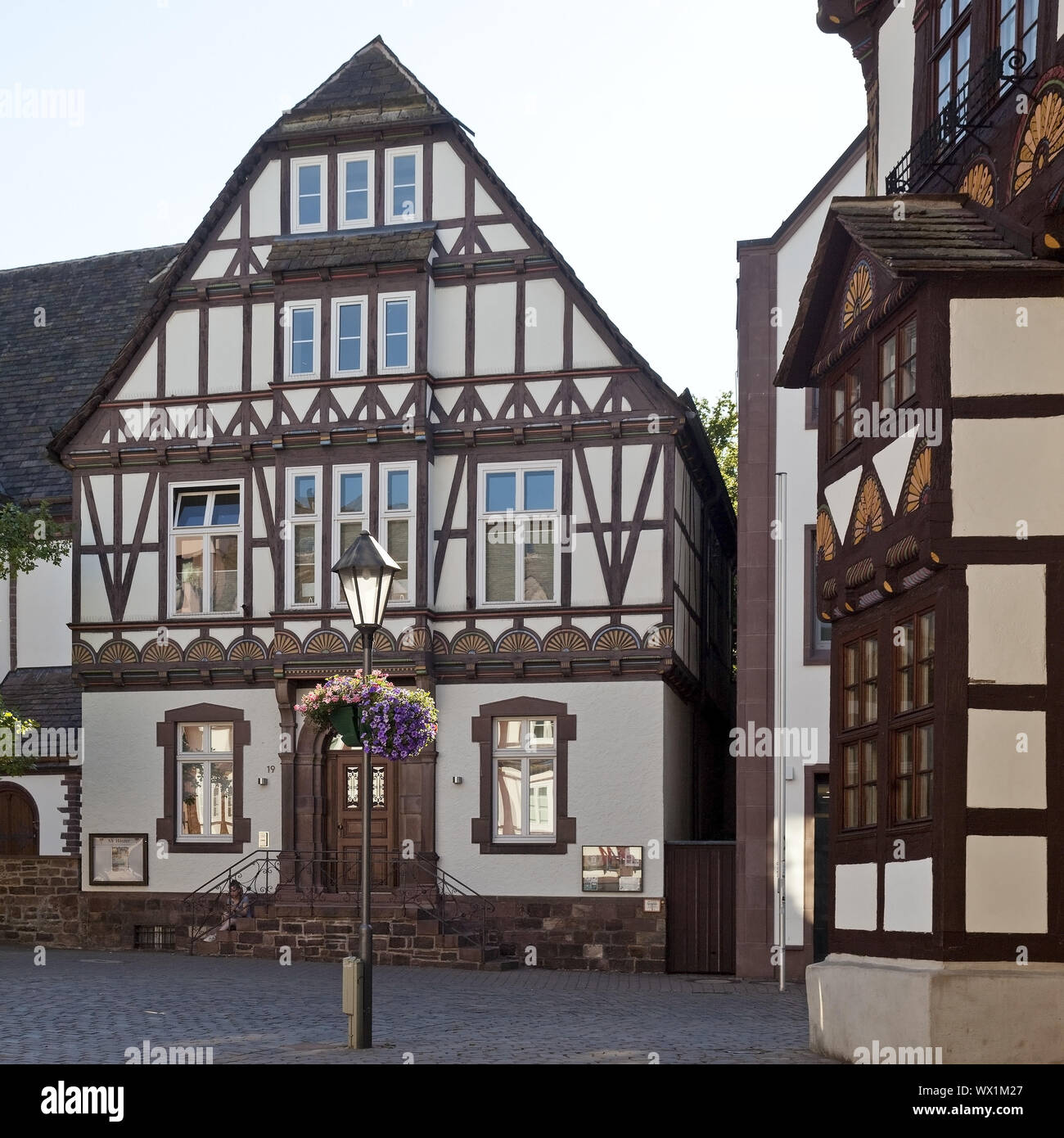 Histórica casa de entramados, Old Town, East, Weserbergland Hoexter, Westfalia, Alemania, Europa Foto de stock