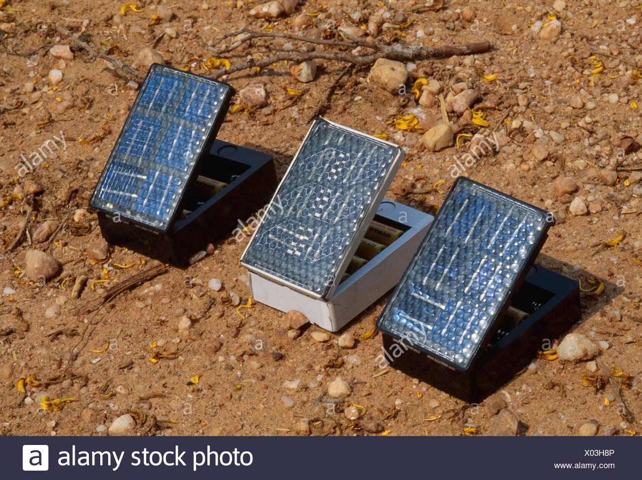 Uso DE PANELES SOLARES TÉRMICOS Imagen De Stock