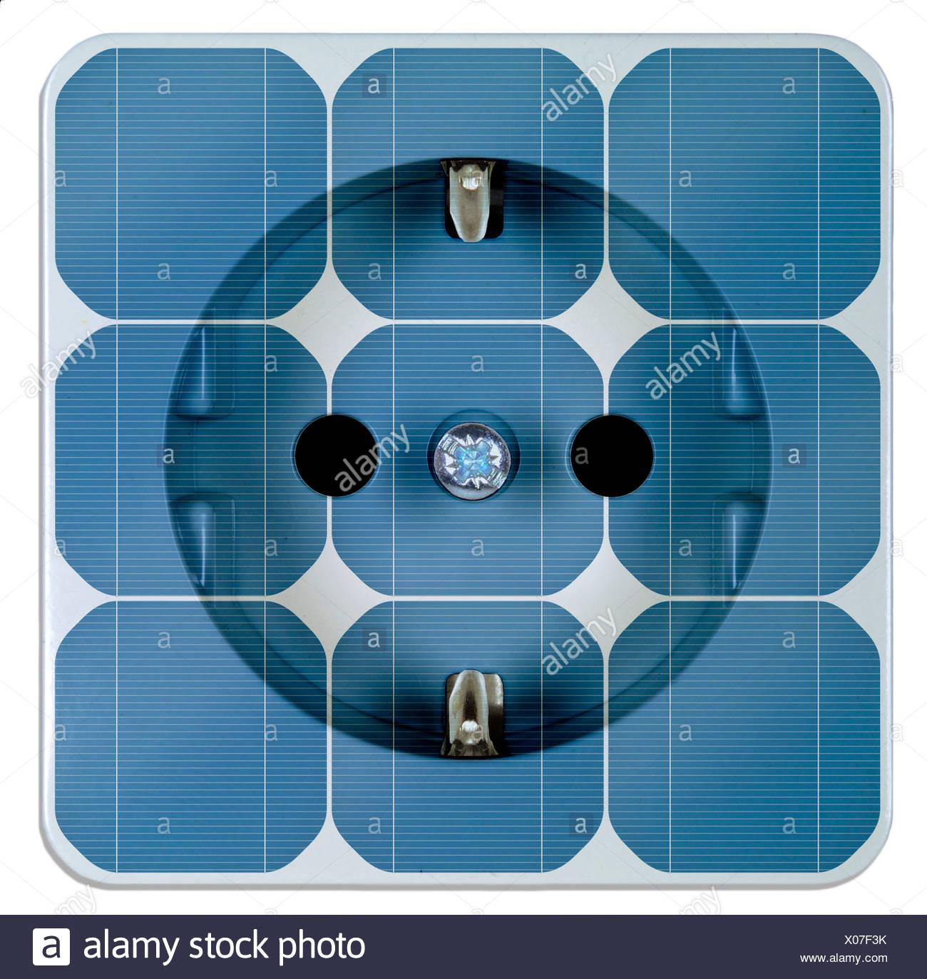 La energía solar, paneles de energía solar con salida Imagen De Stock