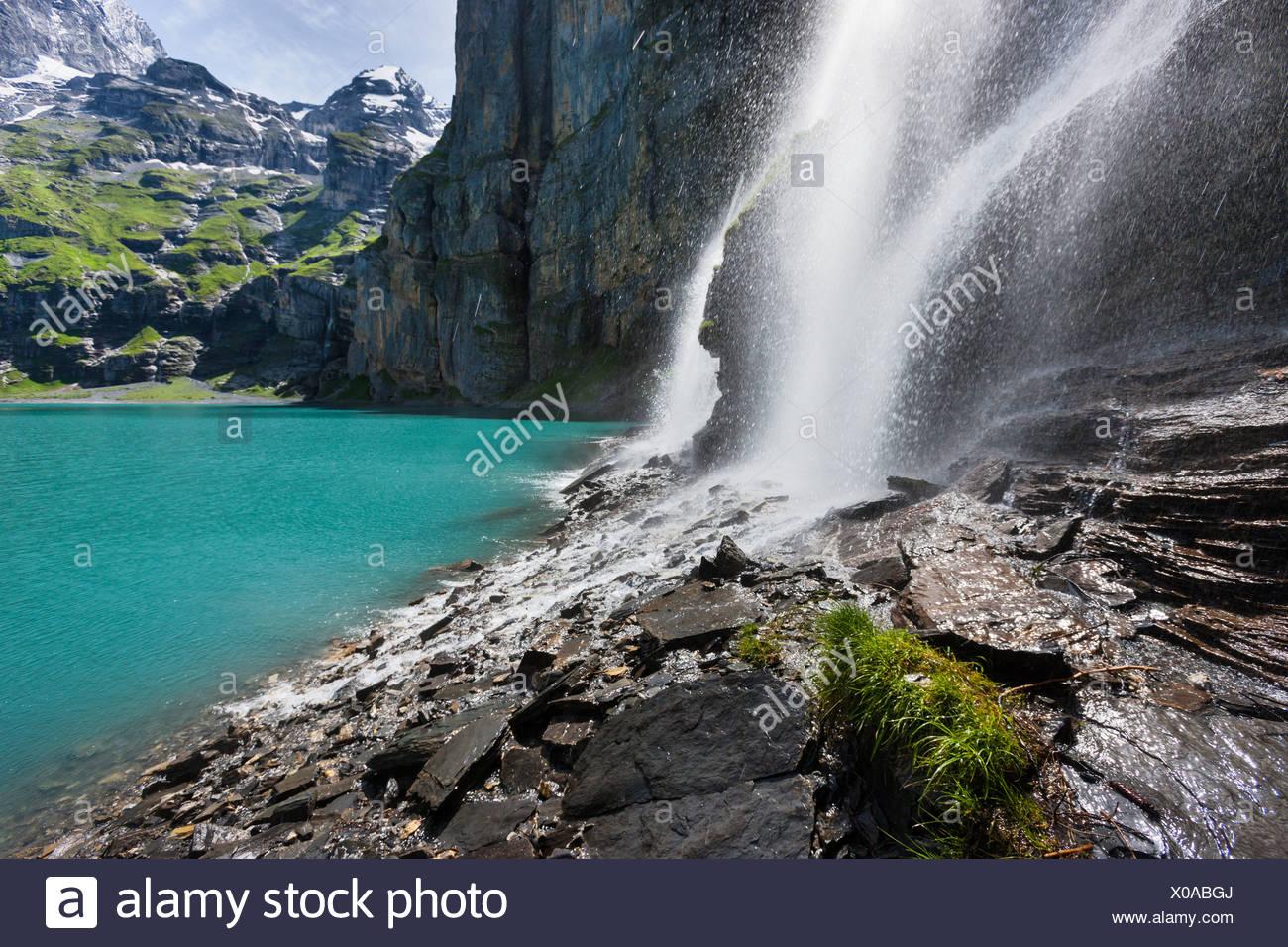 Lago Oeschinen, Tränen, Suiza, Europa, cantón de Berna, en el Oberland Bernés Kandertal Kander, valle, montañas, lago, montaña Imagen De Stock