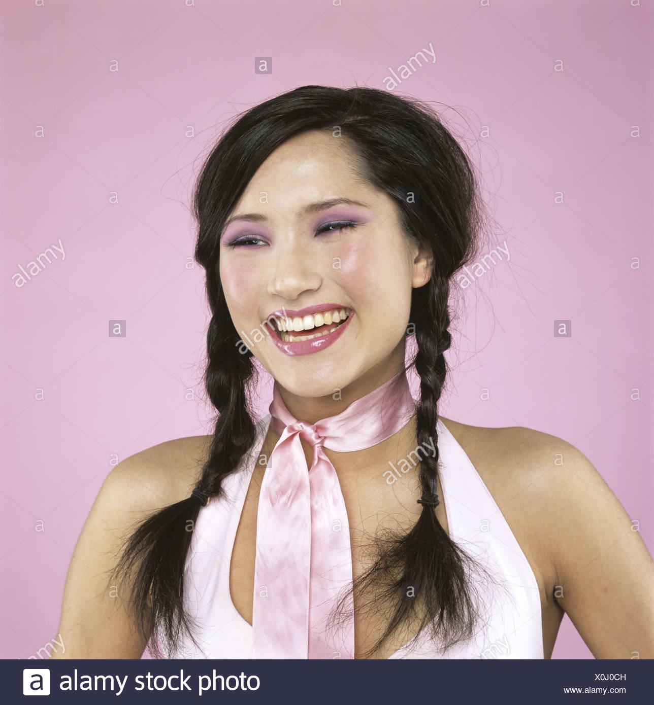 Mujer joven riendo, close-up Foto de stock