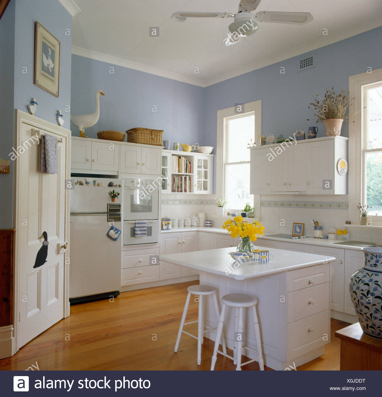 Refrigerator Unit Imágenes De Stock & Refrigerator Unit Fotos De ...