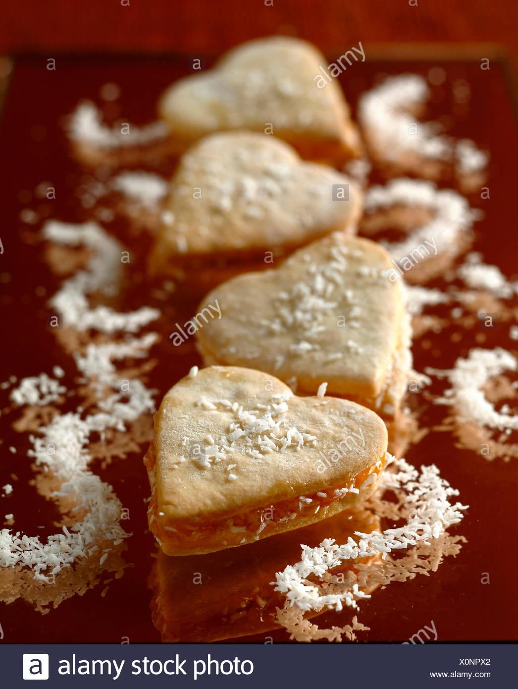 En forma de corazón de coco pastas orientales Imagen De Stock