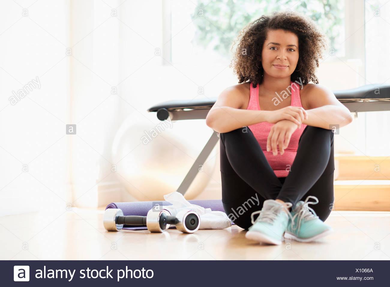 Retrato de mujer joven de gimnasio Imagen De Stock