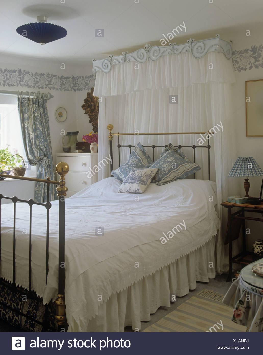 Brass Bed Imágenes De Stock & Brass Bed Fotos De Stock - Alamy