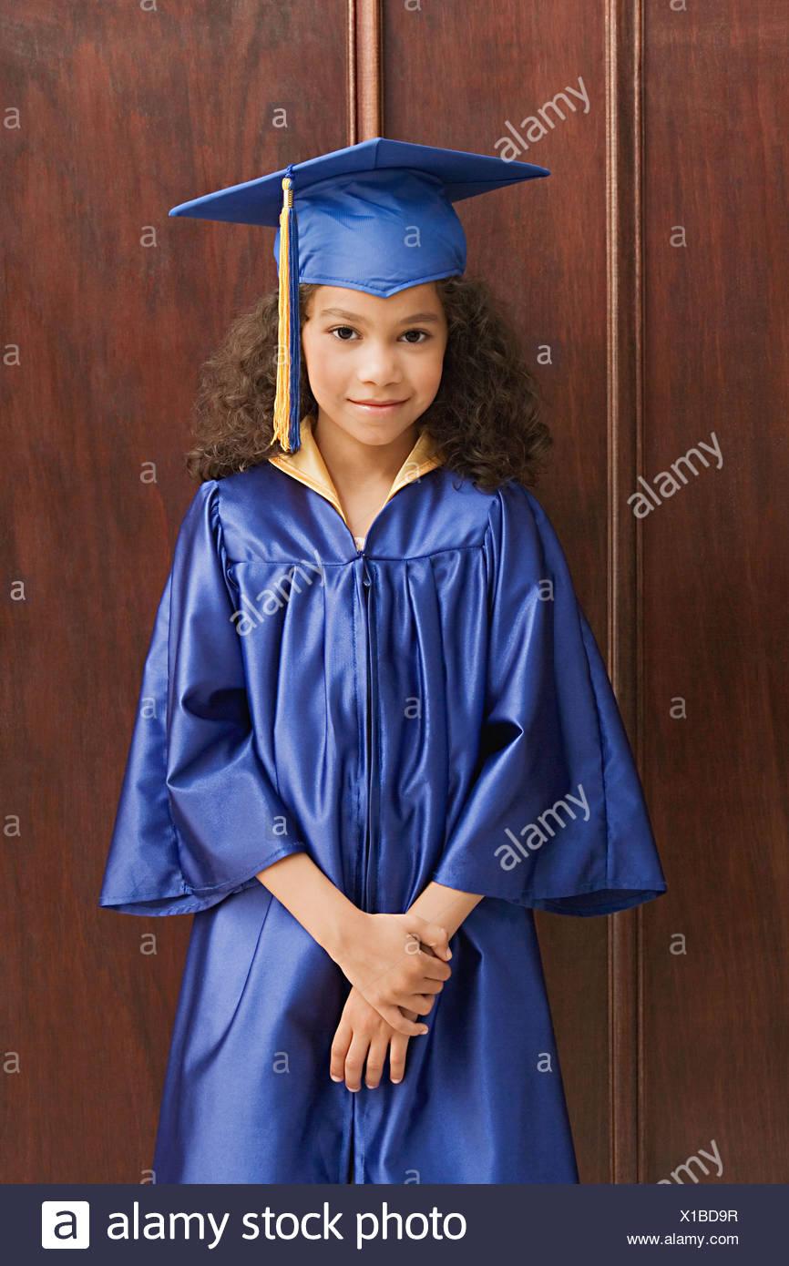0d4b5500f Ropa De Graduación Imágenes De Stock   Ropa De Graduación Fotos De ...