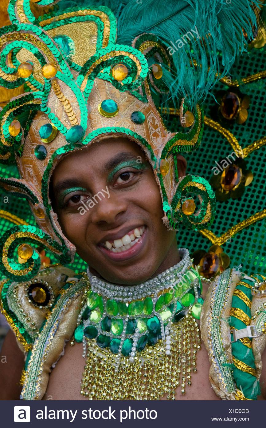 Joven, Amasonia group, el Carnaval de las Culturas 2009, Berlín, Alemania, Europa Imagen De Stock