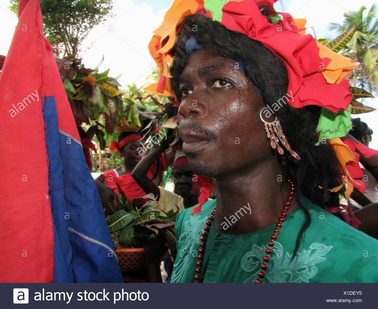 Hombre negro vestido de mujer