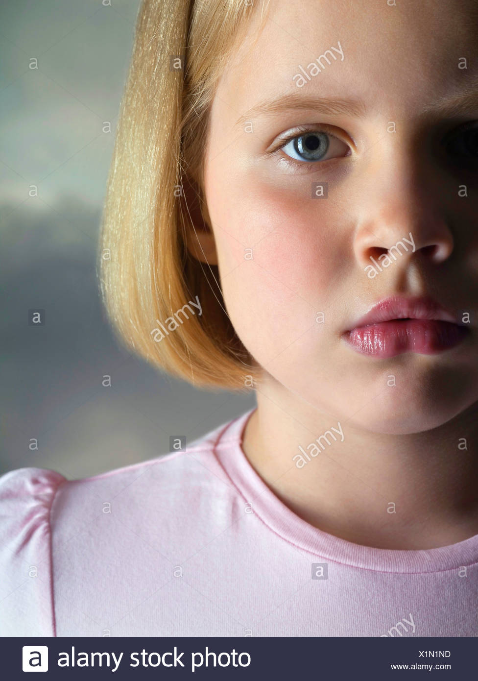 Retrato de un joven triste, Foto de estudio Imagen De Stock