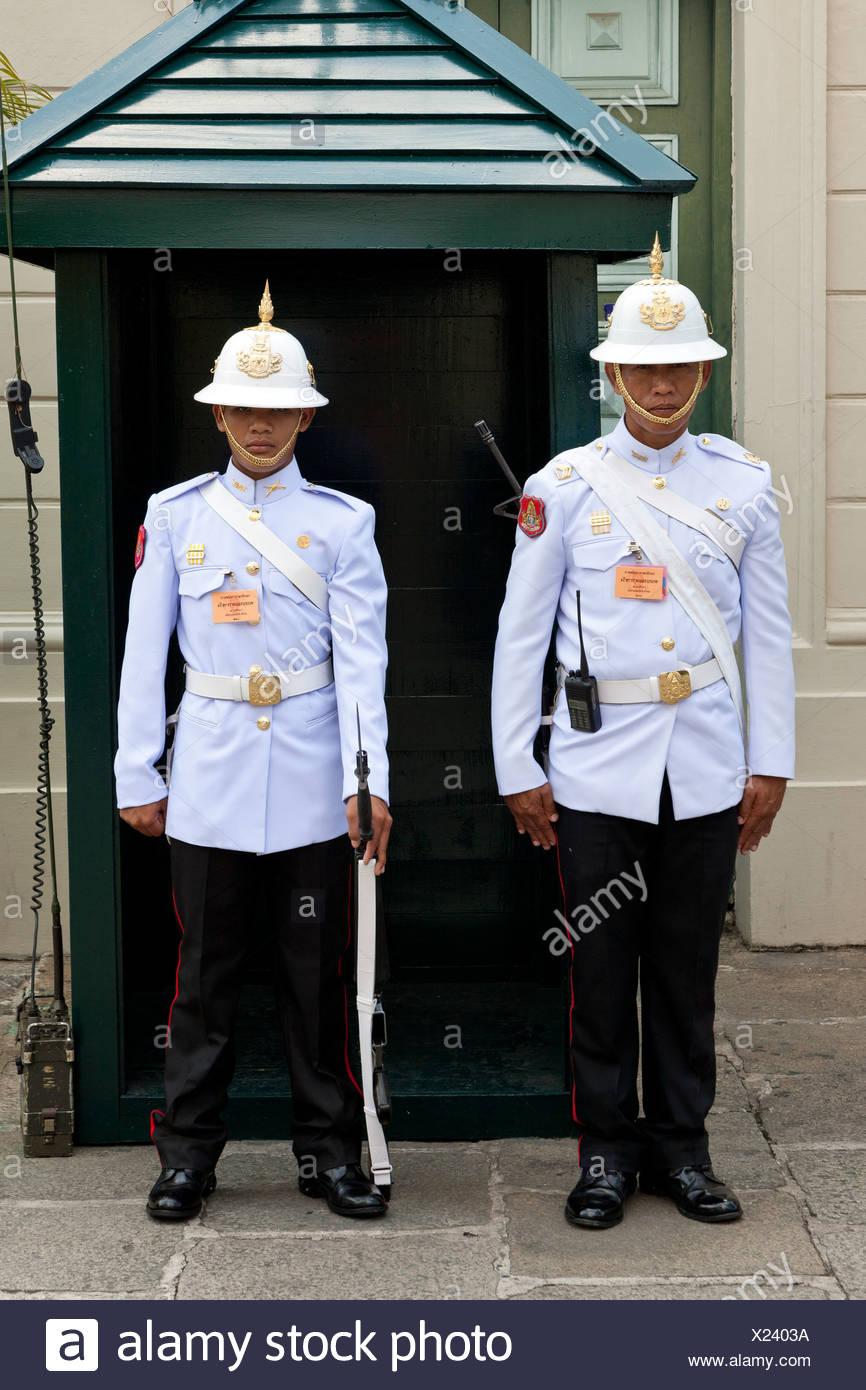 Guardias, Gran Palacio Real de Bangkok, capital de Tailandia, el sudeste de Asia, Asia Imagen De Stock