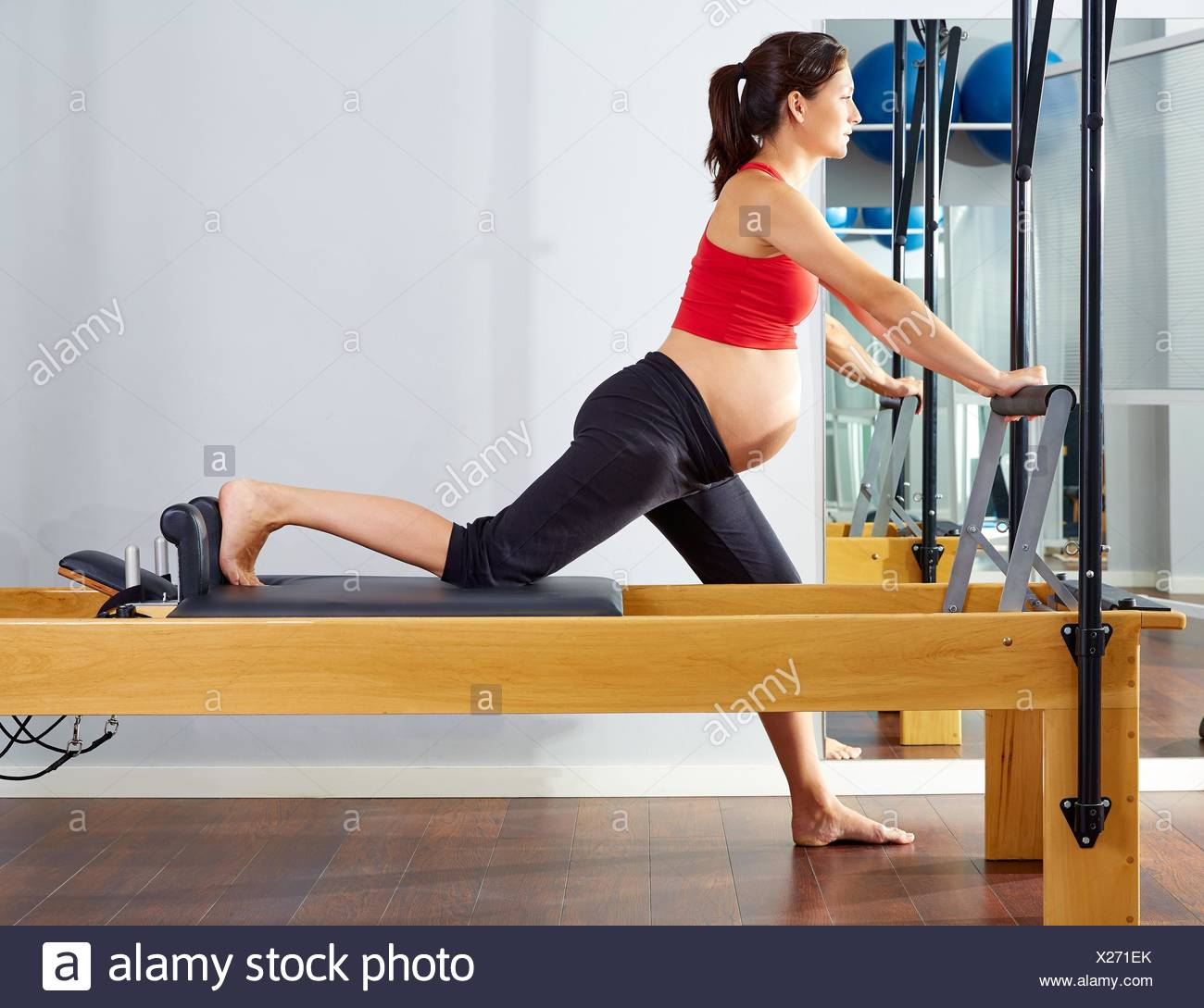 Pregnant Woman Pilates Reformer Cadillac Imágenes De Stock