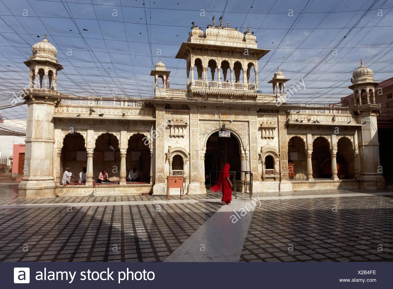 Creer en un patio interior - Templo Karni Mata India Foto de stock