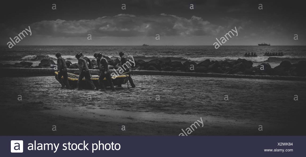Hombres De Valor Foto Imagen De Stock 277159124 Alamy