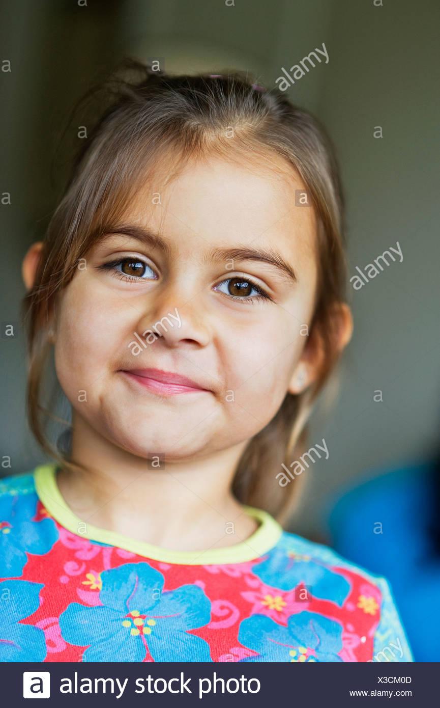 Retrato de niña sonriente (4-5) Imagen De Stock