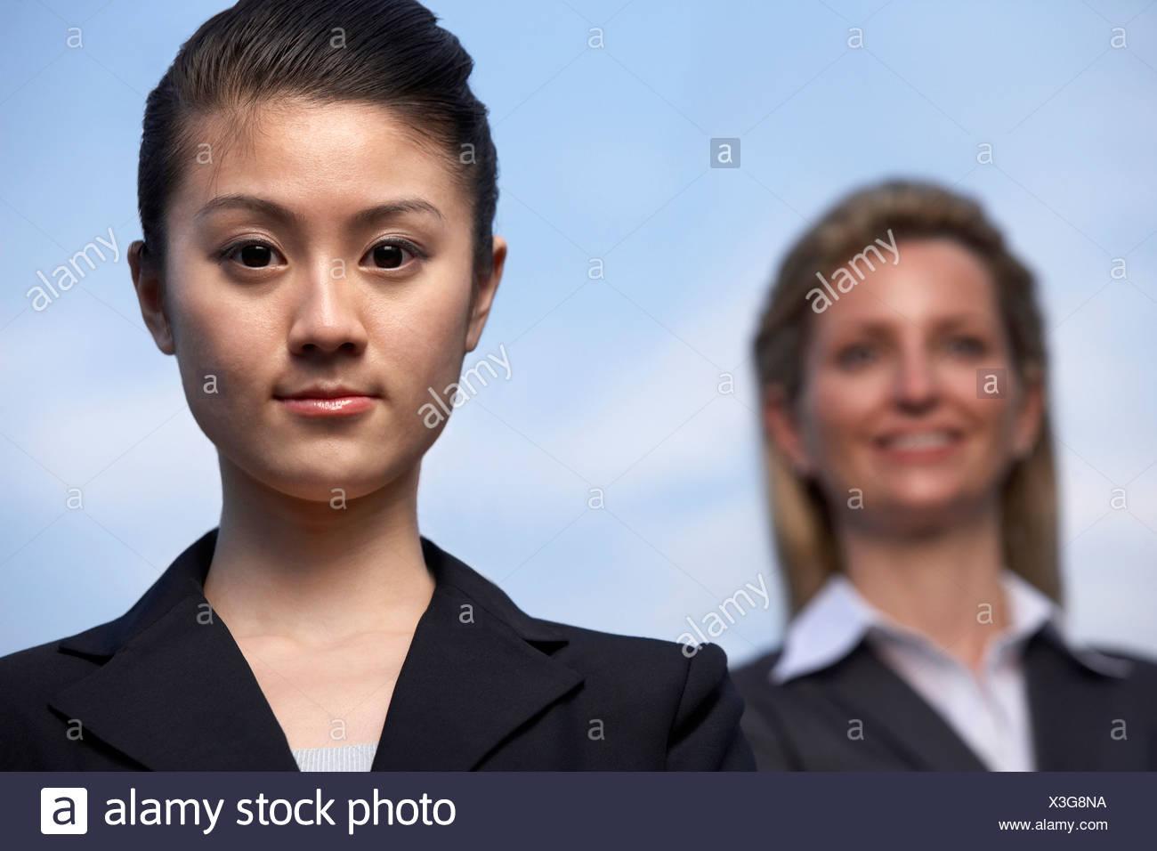 Un equipo internacional de negocios en Shanghai Foto de stock