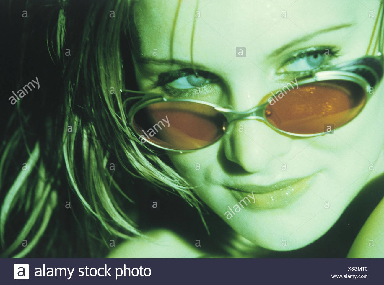 Gafas MujerJovenCon Mujer De MujerJovenCon SolCaraRetratoRetrato 4jqL35RA