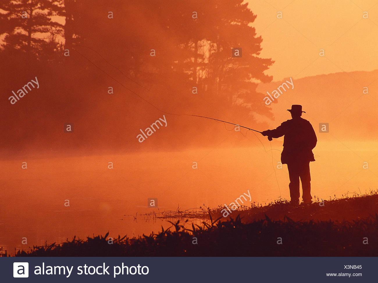 Deporte. angulable. El hombre de la pesca con mosca. guernsey. Islas del Canal. Imagen De Stock
