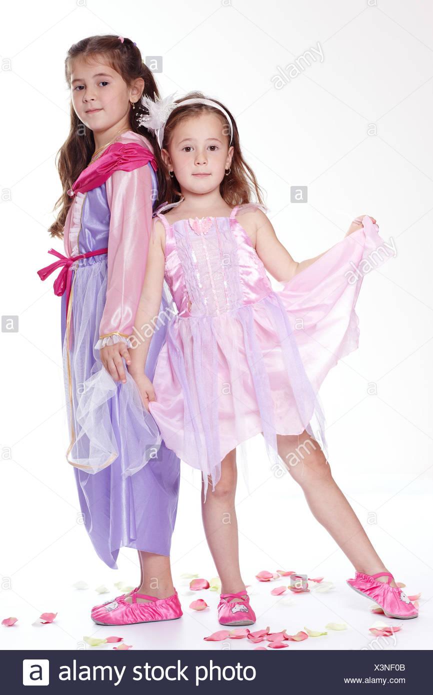 Princess Gown Imágenes De Stock & Princess Gown Fotos De Stock - Alamy