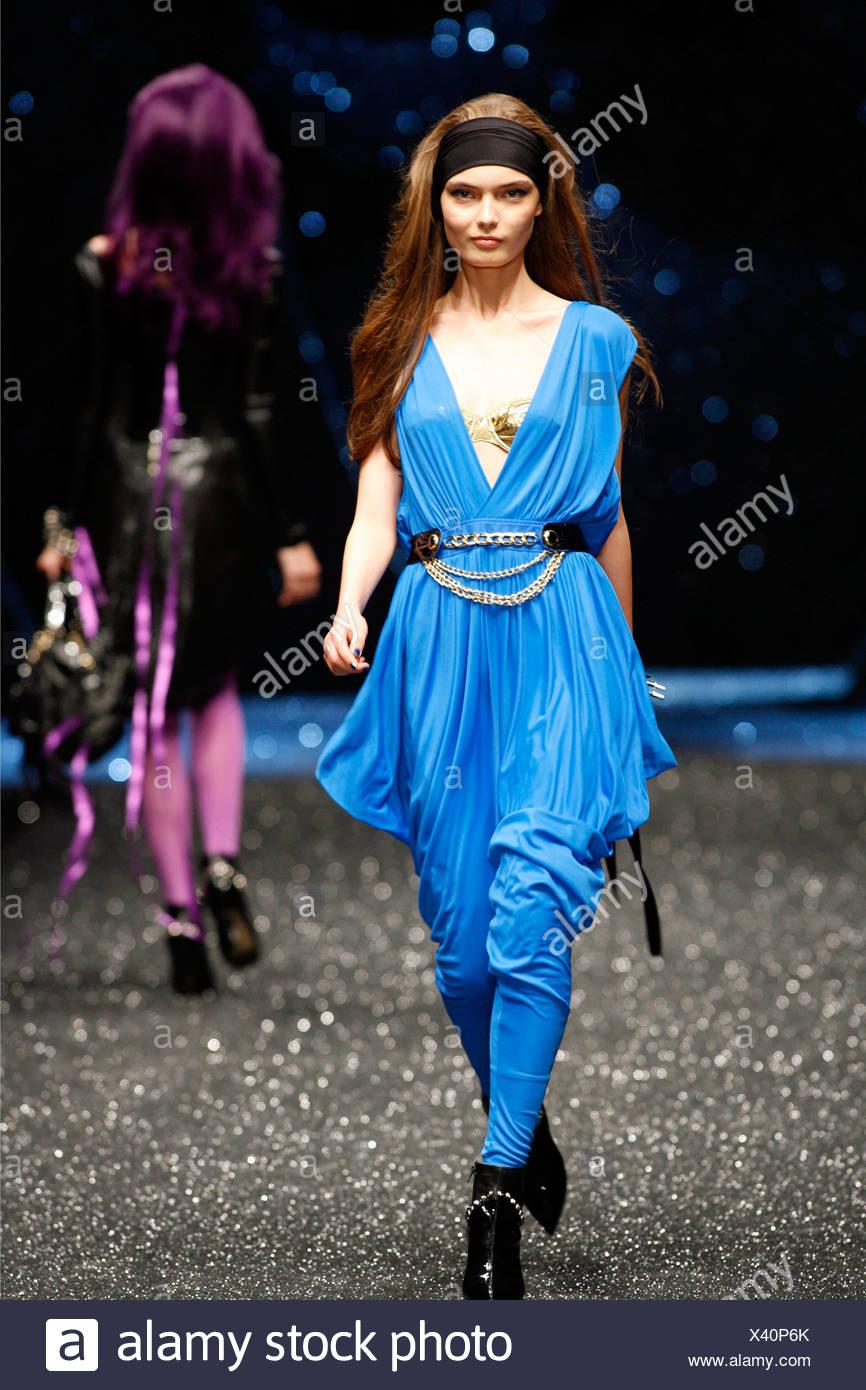 muchos estilos especial para zapato correr zapatos Dolce y Gabbana Milán listo para vestir Primavera Verano ...