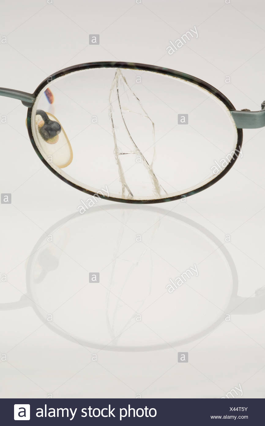 Gafas rotas Foto de stock