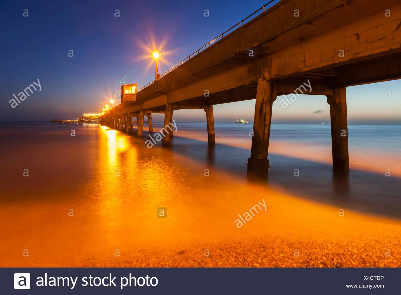 Inglaterra, Kent, tratar, tratar Pier Imagen De Stock