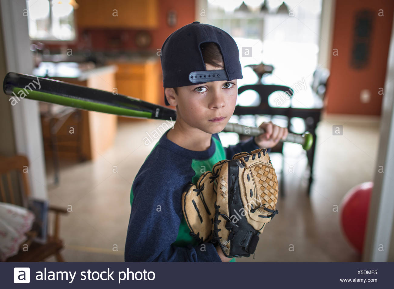 Retrato de niño con actitud de jugador de béisbol Imagen De Stock