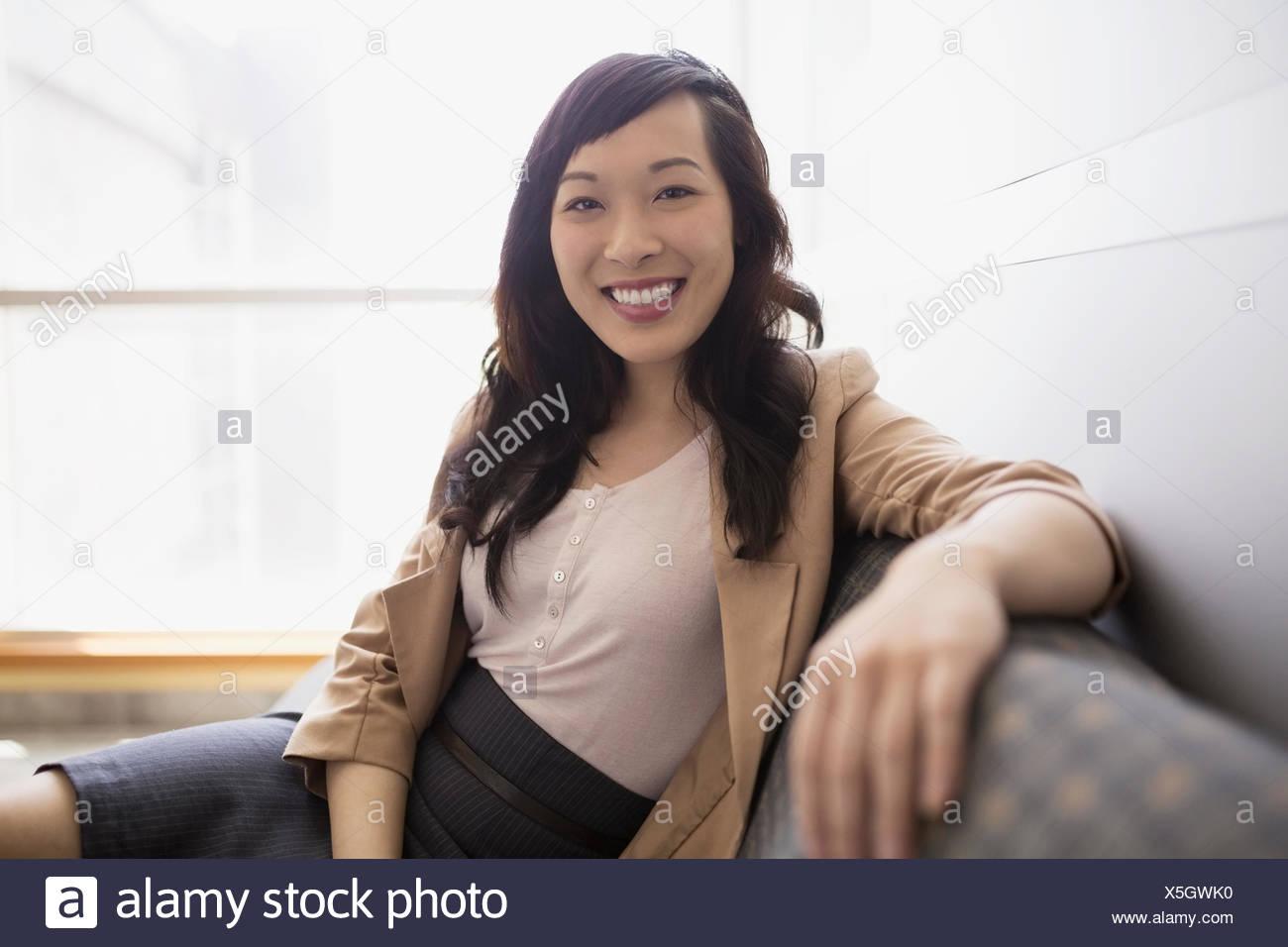 Retrato confianza empresaria Foto de stock