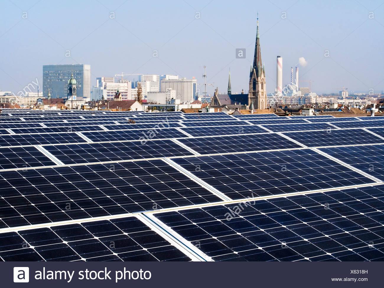 Los paneles solares, el comercio justo, Basilea, Suiza Imagen De Stock