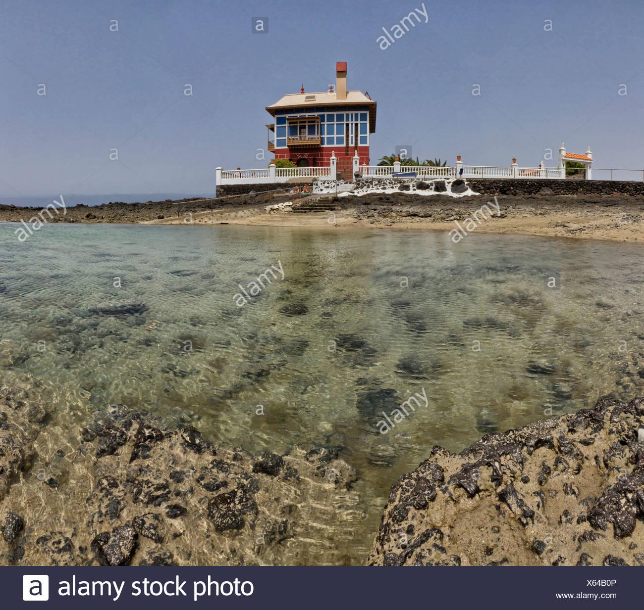 España, Lanzarote, Arrieta, Casa Azul, casa, agua, Verano, playa, mar, Islas Canarias Imagen De Stock