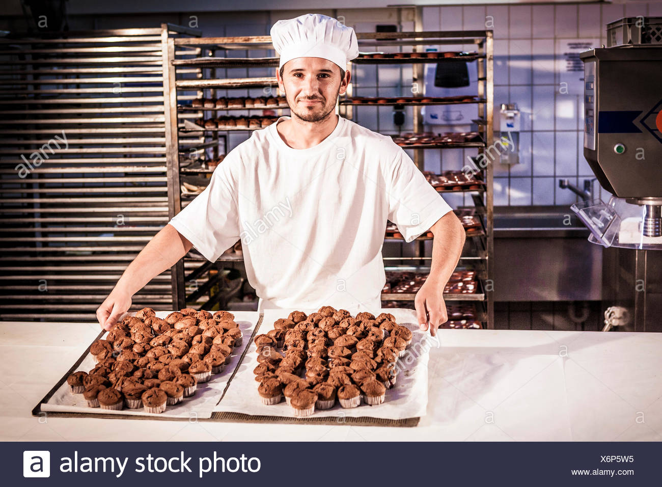 Pastelería presentación de bandejas para hornear con pasteles Imagen De Stock