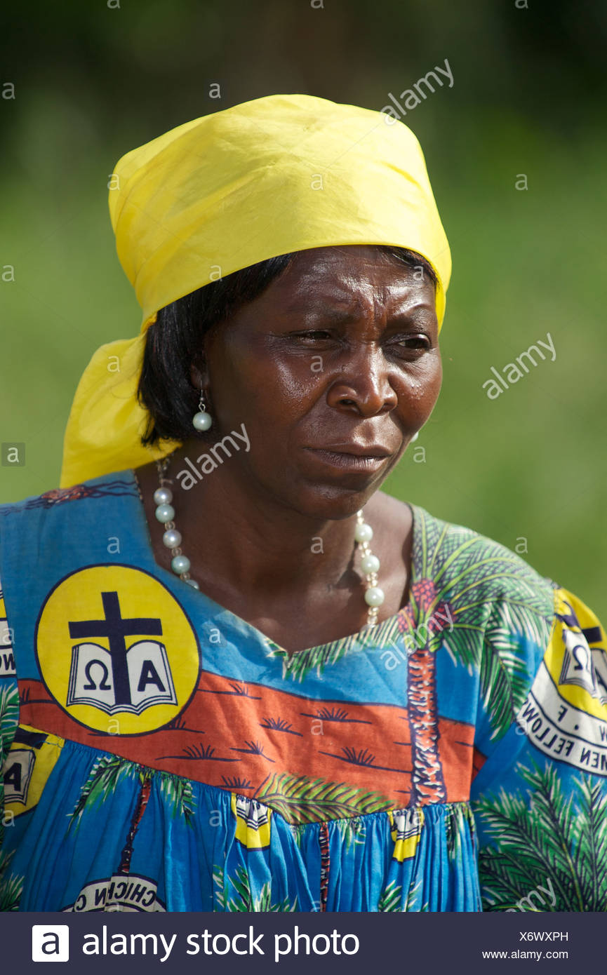 Mujer, retrato, la mujer Cristiana Fellowship, el CWF, Bamenda, Camerún, África Imagen De Stock