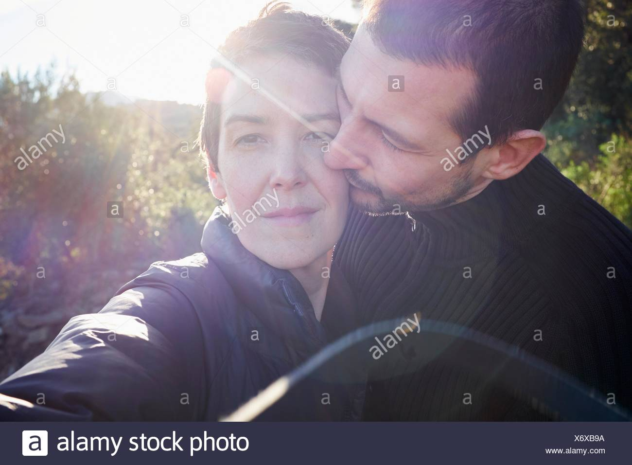 Oferta soleada retrato de pareja de adultos Imagen De Stock