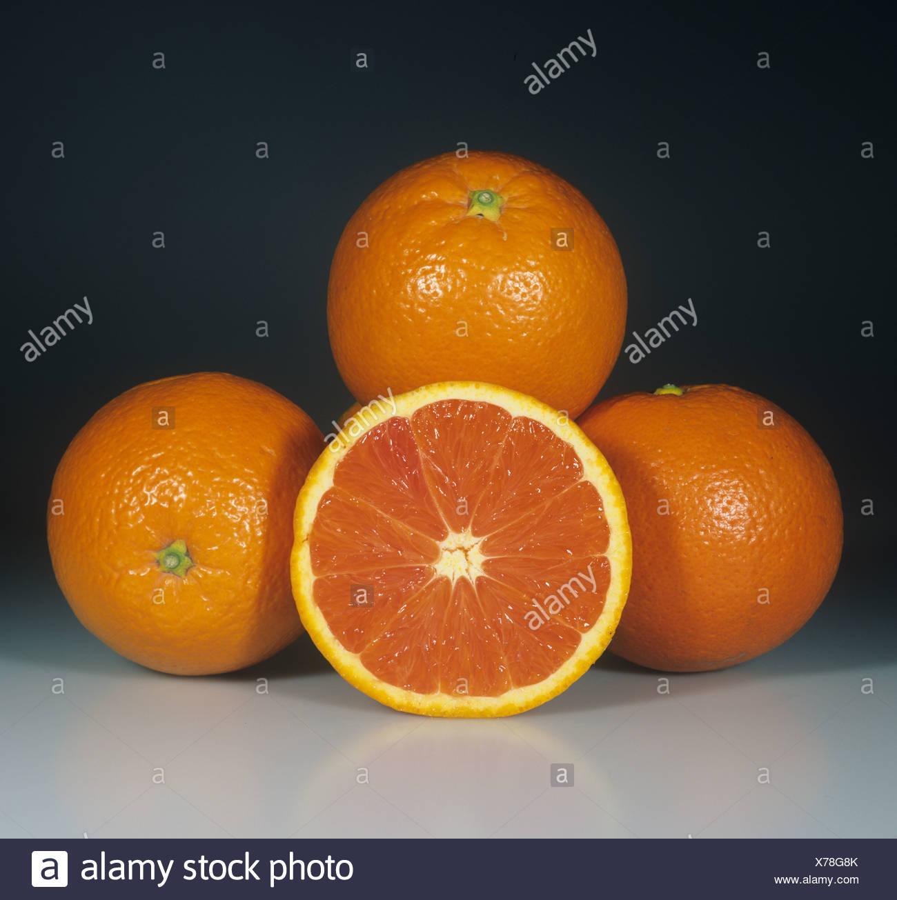 Conjunto seccionado variedad de fruta naranja navel Cara Cara Imagen De Stock