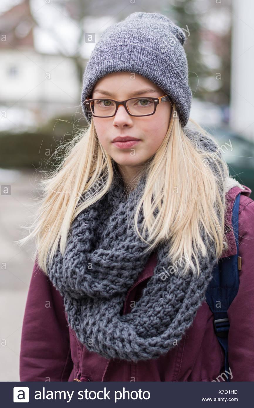 Retrato de una adolescente de aspecto sincera Imagen De Stock