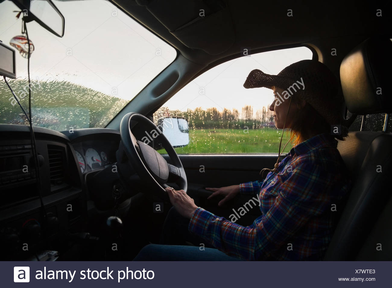 Ranchero camión de conducción Foto de stock