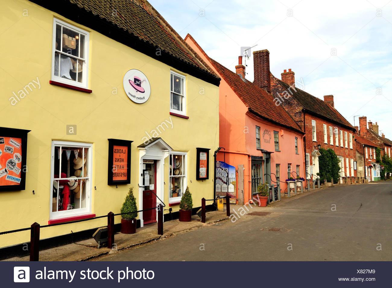 Mercado de Burnham, Norfolk, tiendas, casas, hoteles, Inglaterra Imagen De Stock