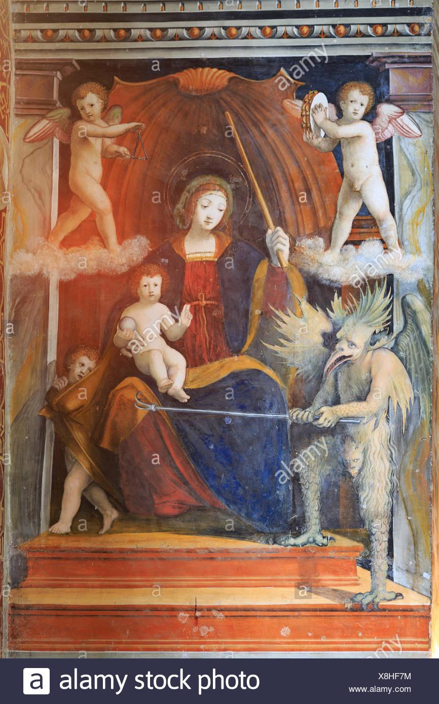 Famoso y peculiar madonna del cifulet pintura, en la iglesia de Santa Maria delle Grazie, gravedona, provincia de Como, en Lombardía, Italia Imagen De Stock