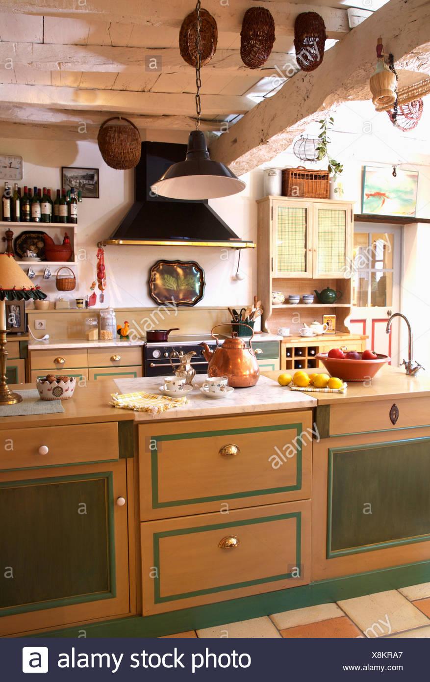 Atractivo La Cocina Al Lado De La Puerta Glendale Modelo - Ideas Del ...