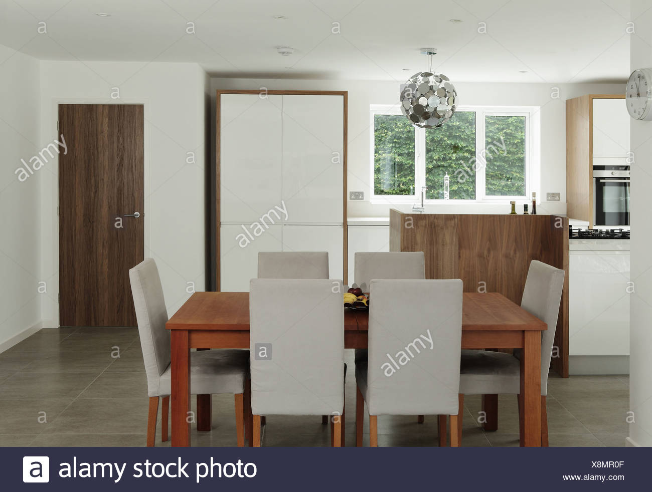 Mesa y sillas de comedor Imagen De Stock